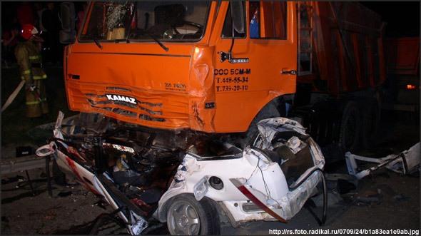 Воронежские спасатели проверили заминированный лицей 5 вход